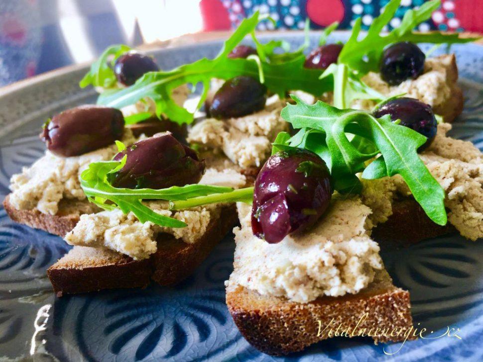 Kurzy vaření podle Metabolic Balance - Ořechový sýr z mandelády - snídaně